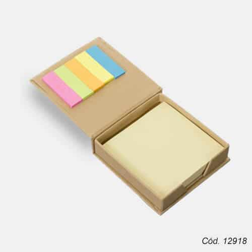 bloco-de-anotacoes-com-post-it